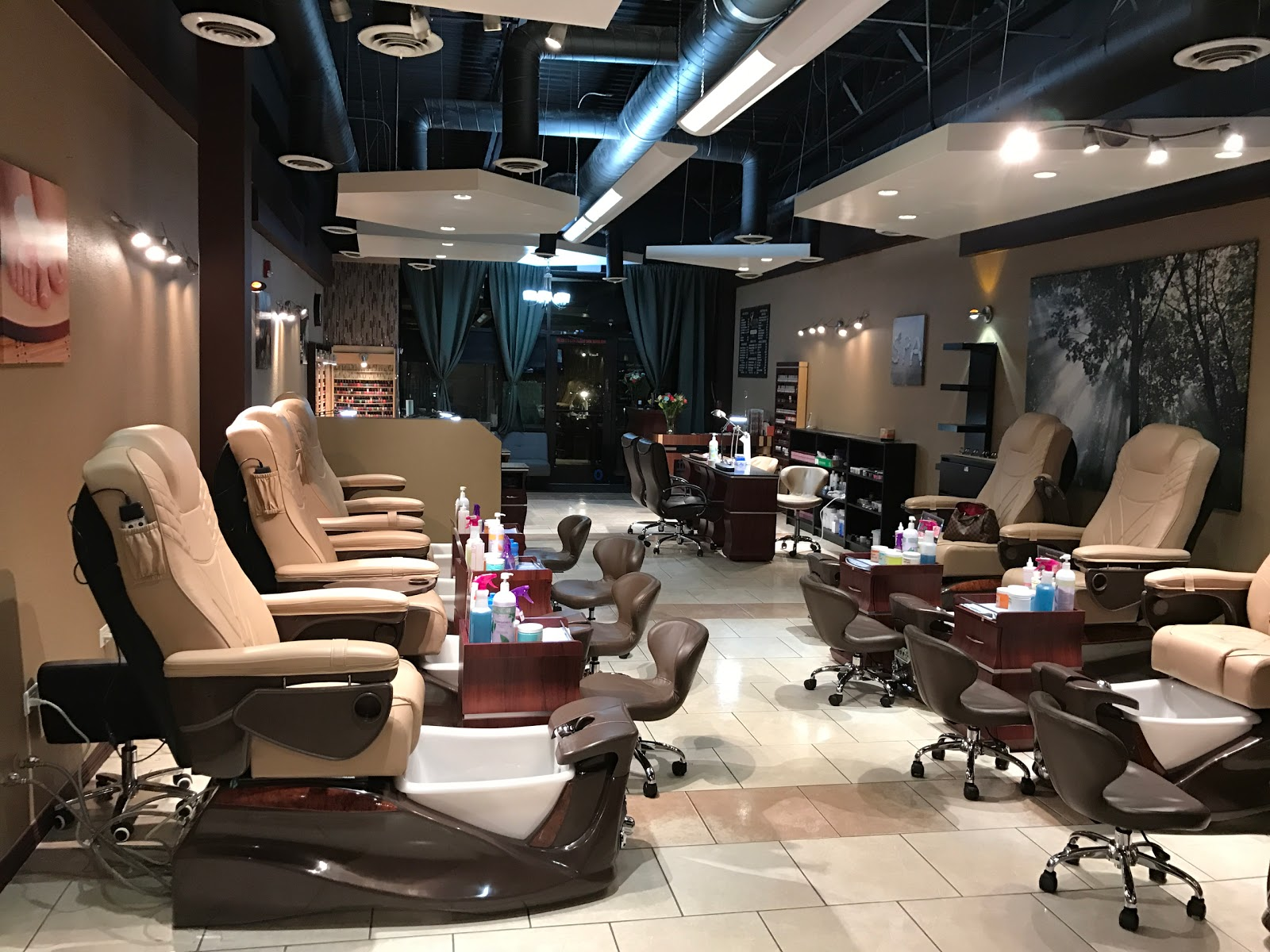 Luxury Nails and Spa, 4625 Trail Boss Drive, Castle Rock, Reviews ...