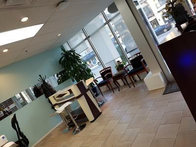 top modern nail  spa 122 3rd street east north